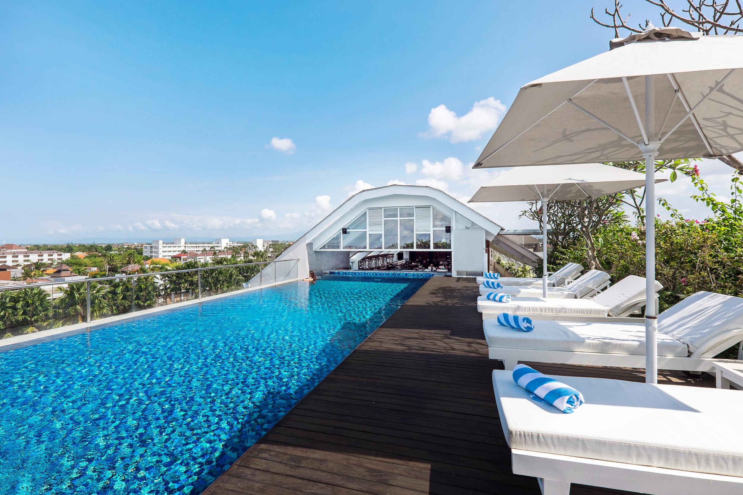 Jambuluwuk Oceano Seminyak Infinity Swimming Pool at The Rooftop .jpg