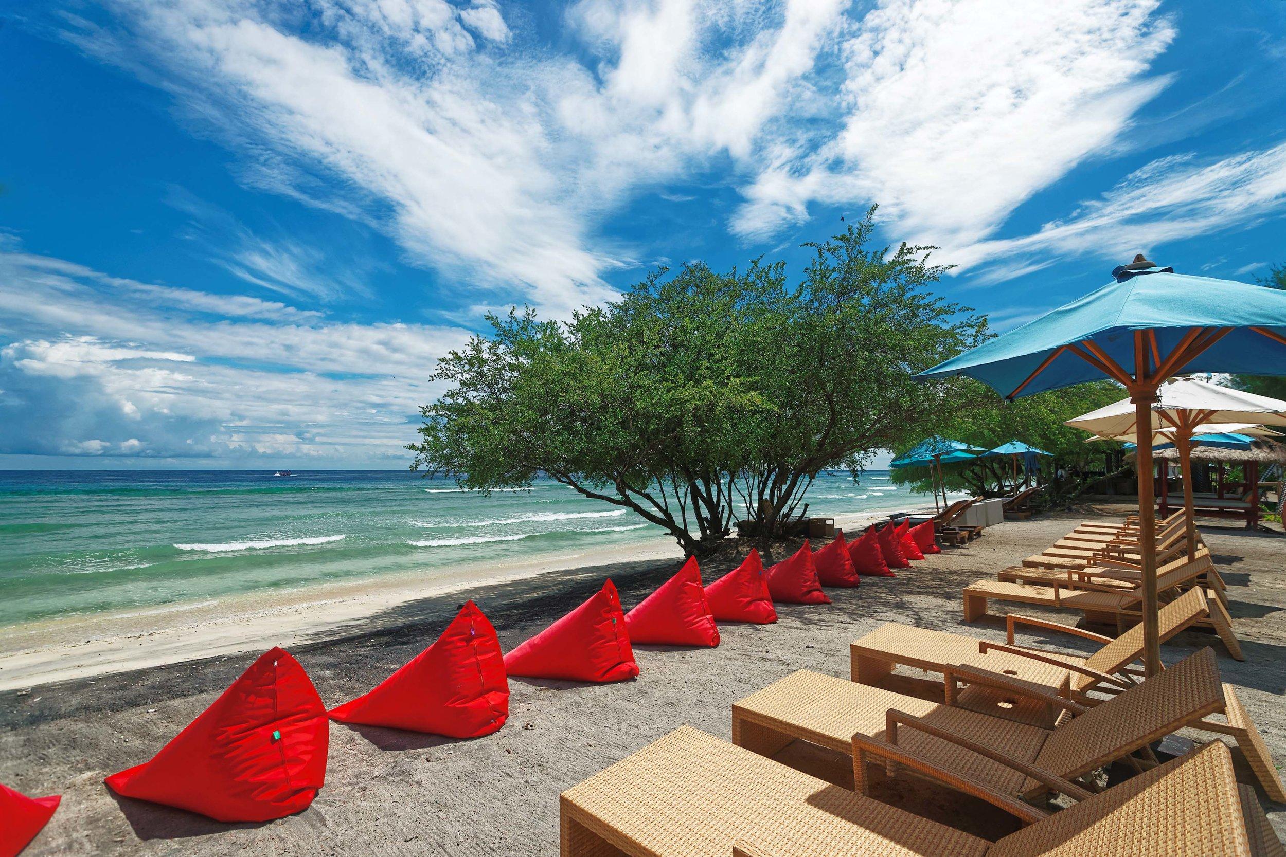 Jambuluwuk Oceano Resort - Beach View.jpg