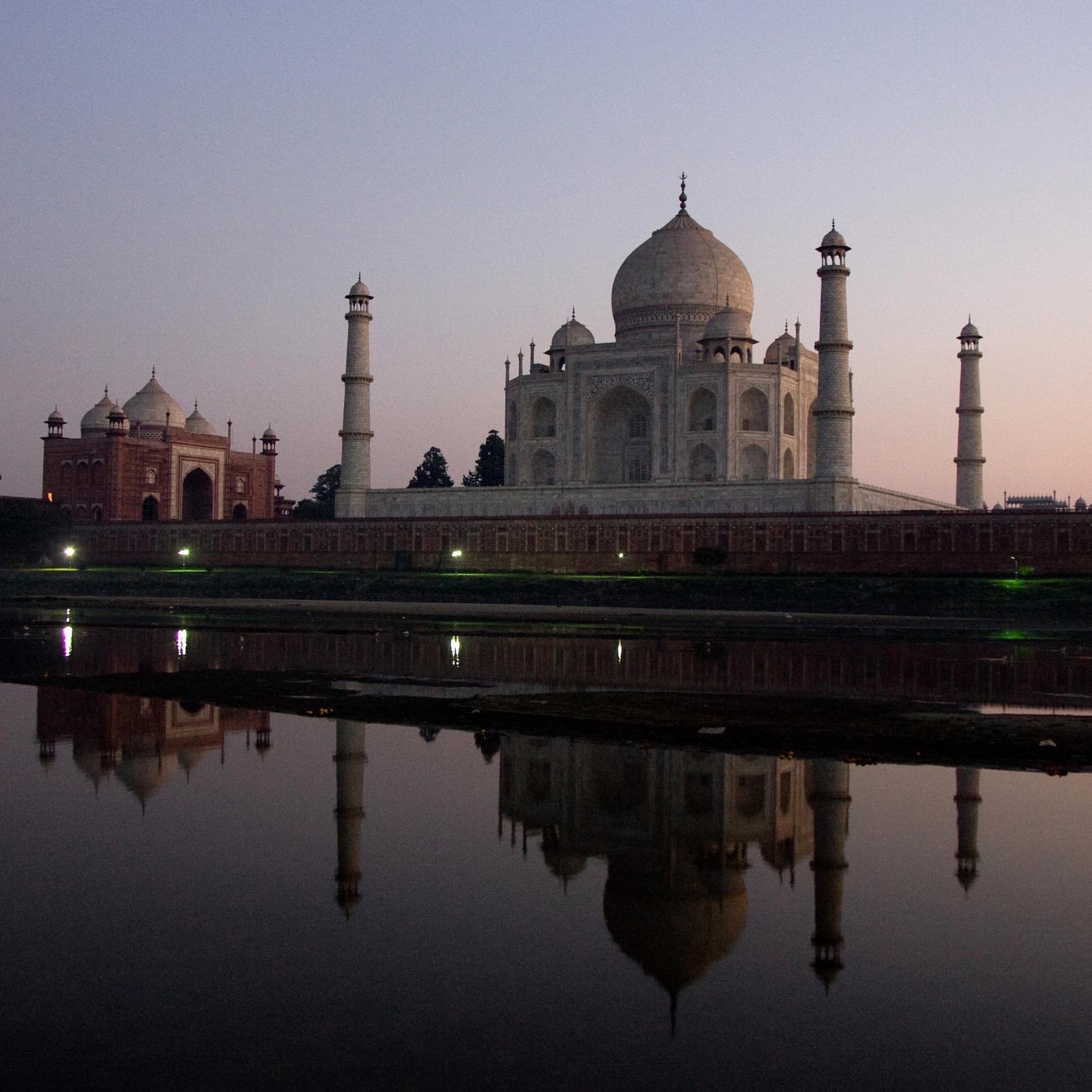 travel & reportage -