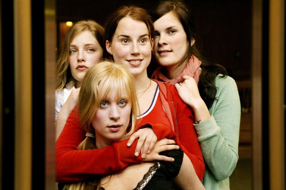 8 Sara, Mia, Bea, Anniken.jpg