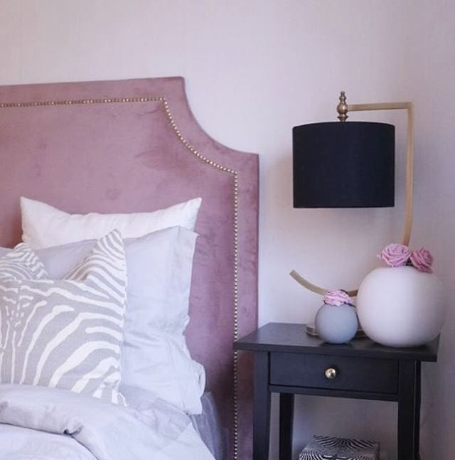 Pretty in Dusty Pink 🌸 Home of talented @albafridstrom  #Mimosabyinka #headboard #Stockholm