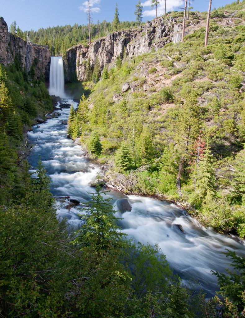 Tumalo Falls.jpg
