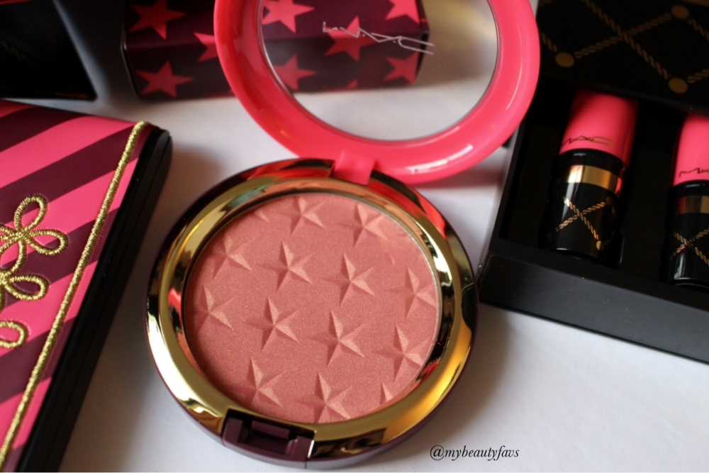 """""""A translucent ultra-fine, light-catching pearlescent powder for face, neck and décolleté""""."""