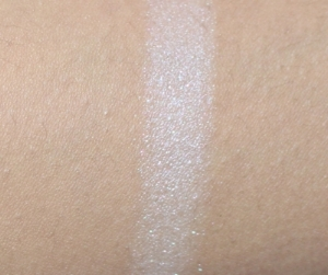Luna (white shimmer with iridescent micro-sparkle)