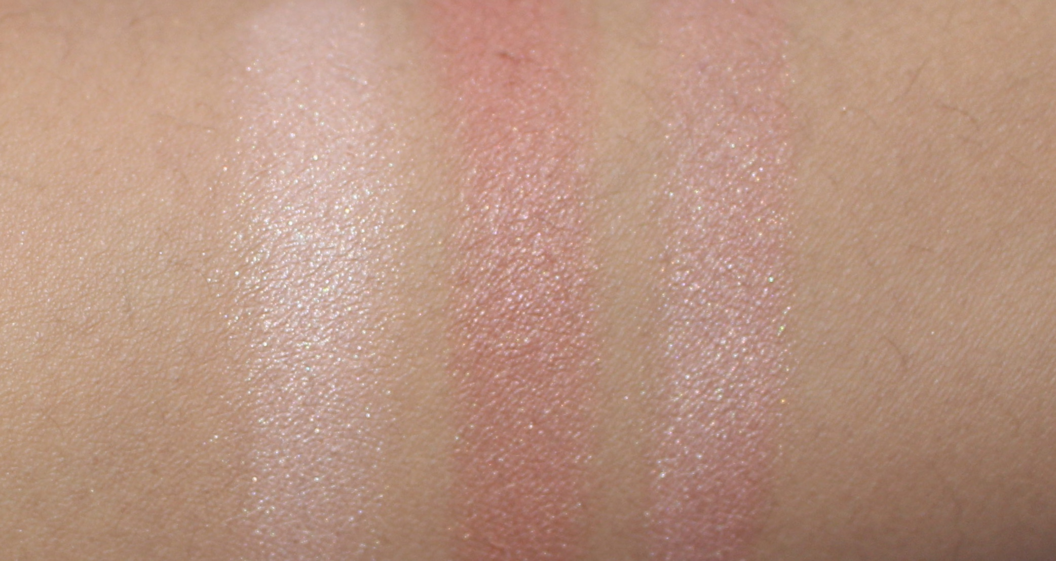 L-R: Inner highlighter, outer blush shade and the two combined