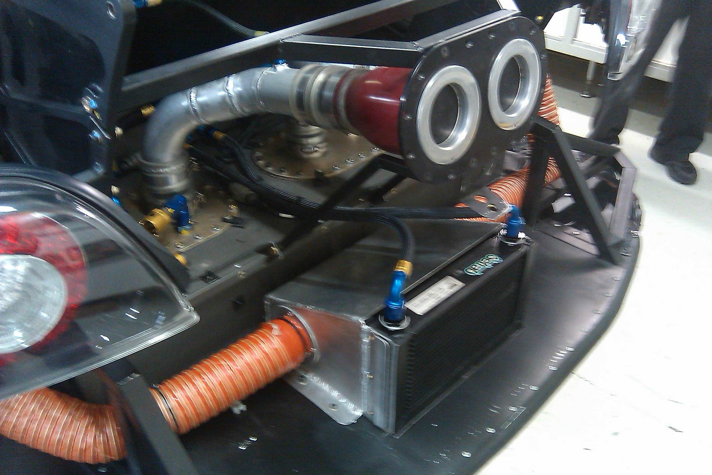 Oil cooler, Dempsey Racing.Disc brake ducting, Dempsey Racing