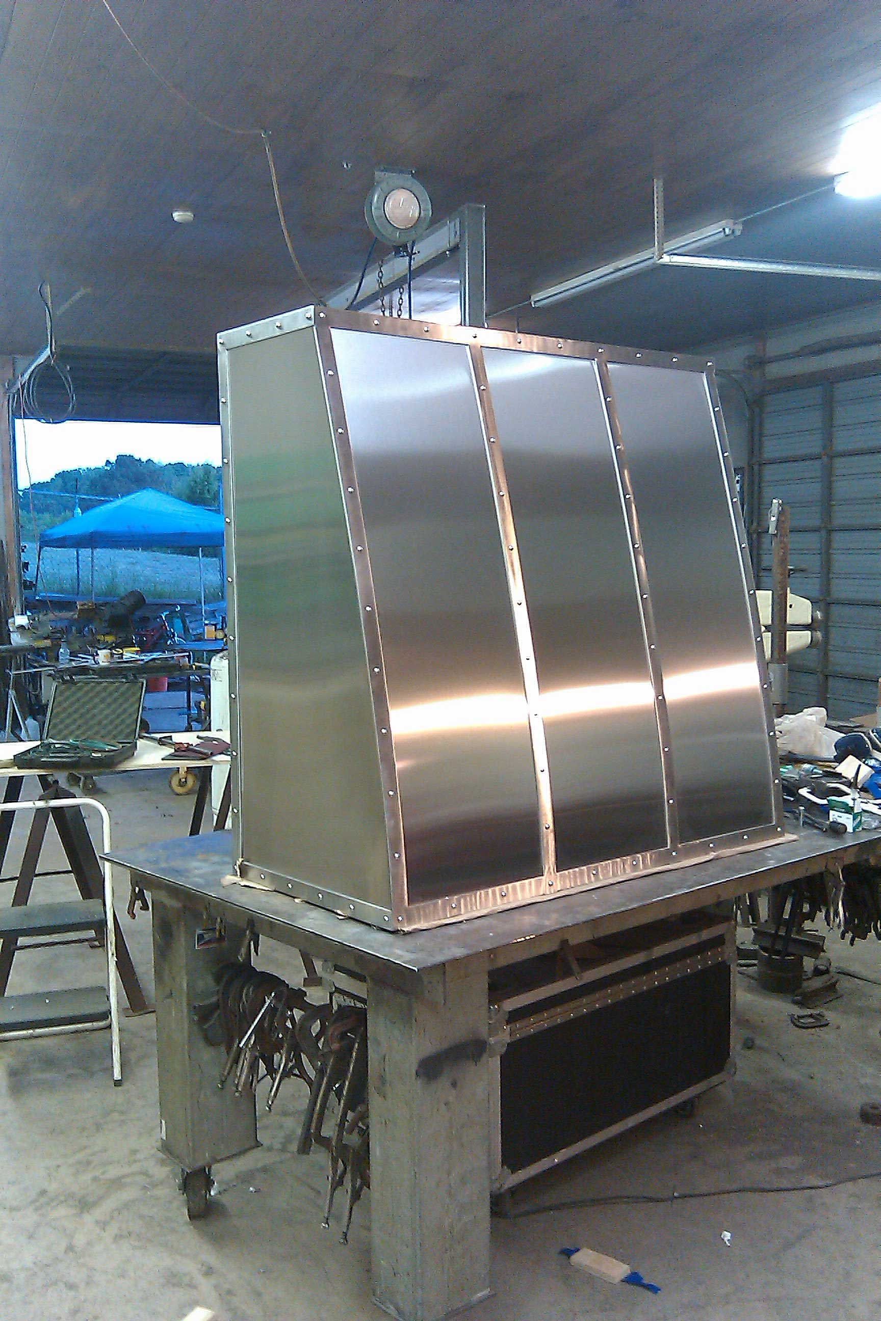 Alabama. Stainless hood. (3 of 3)