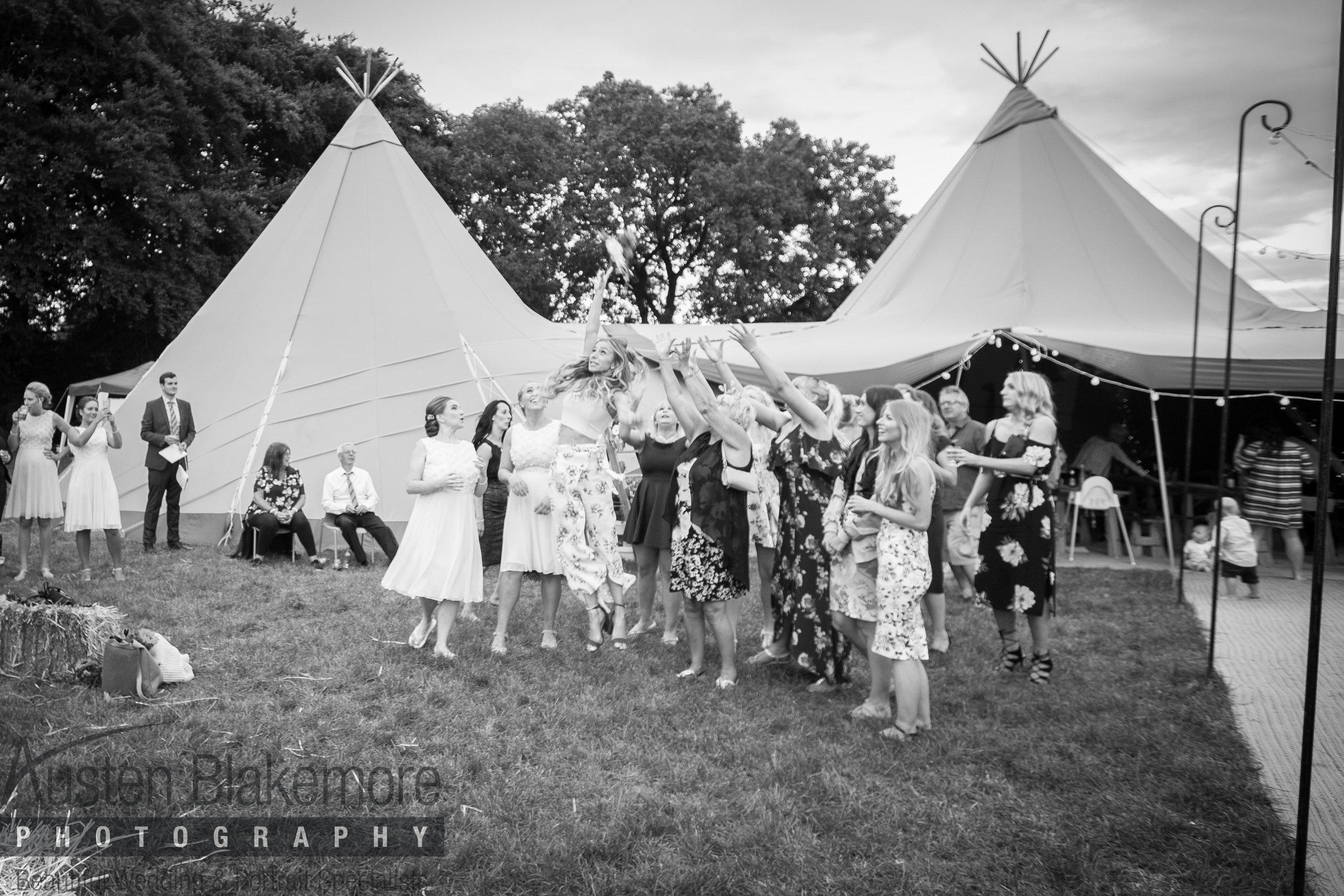Tipi Wedding-5.jpg