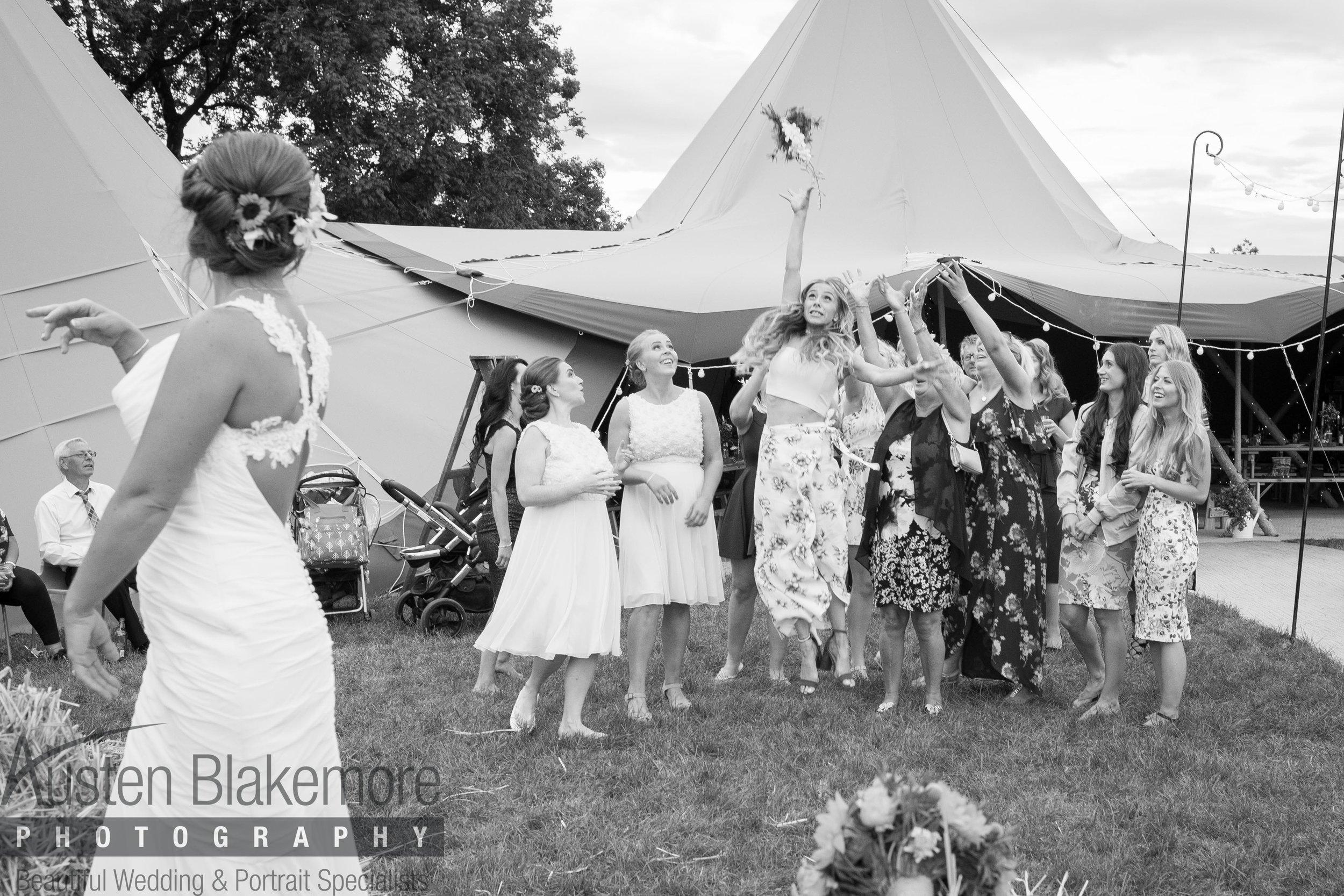 Tipi Wedding-6.jpg