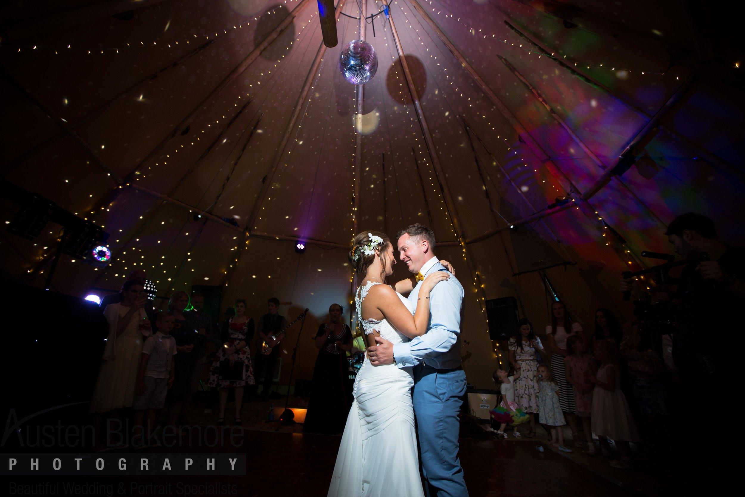 Tipi Wedding-10.jpg