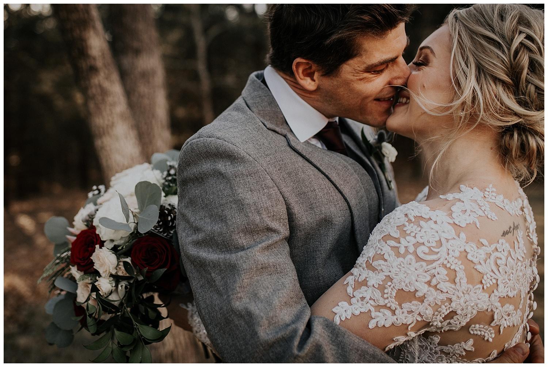 Laken-Mackenzie-Photography-Palm-Whispering-Oaks-Wedding-Venue-Dallas-Wedding-Photographer27.jpg