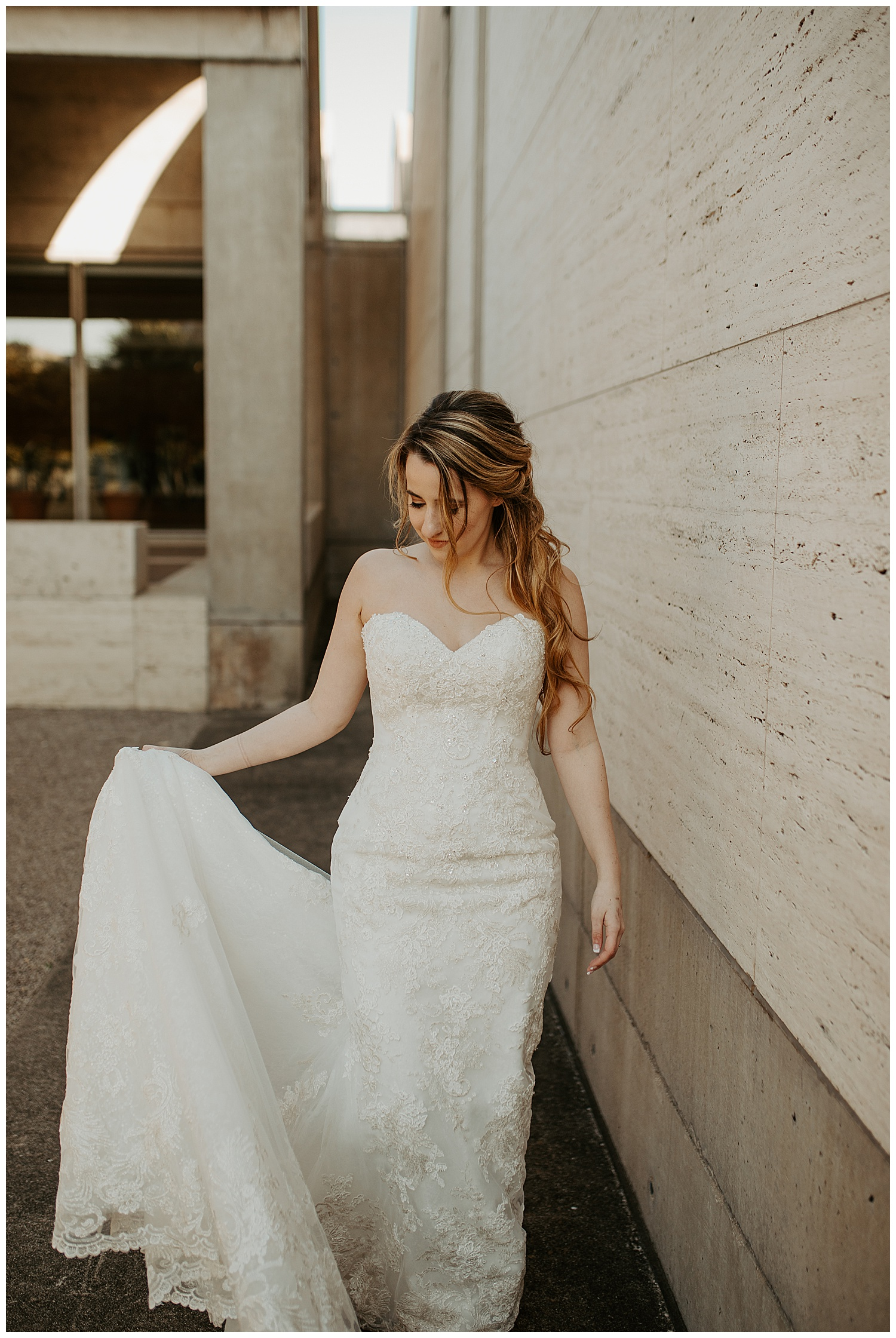 Laken-Mackenzie-Photography-Alyssa-Bridals-Kimbell-Art-Museum-Dallas-Fort-Worth-Wedding-Photographer05.jpg