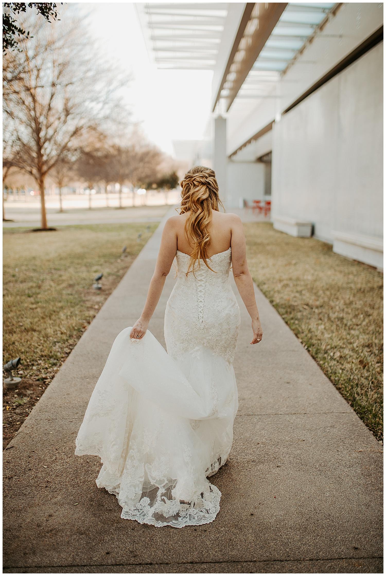Laken-Mackenzie-Photography-Alyssa-Bridals-Kimbell-Art-Museum-Dallas-Fort-Worth-Wedding-Photographer10.jpg