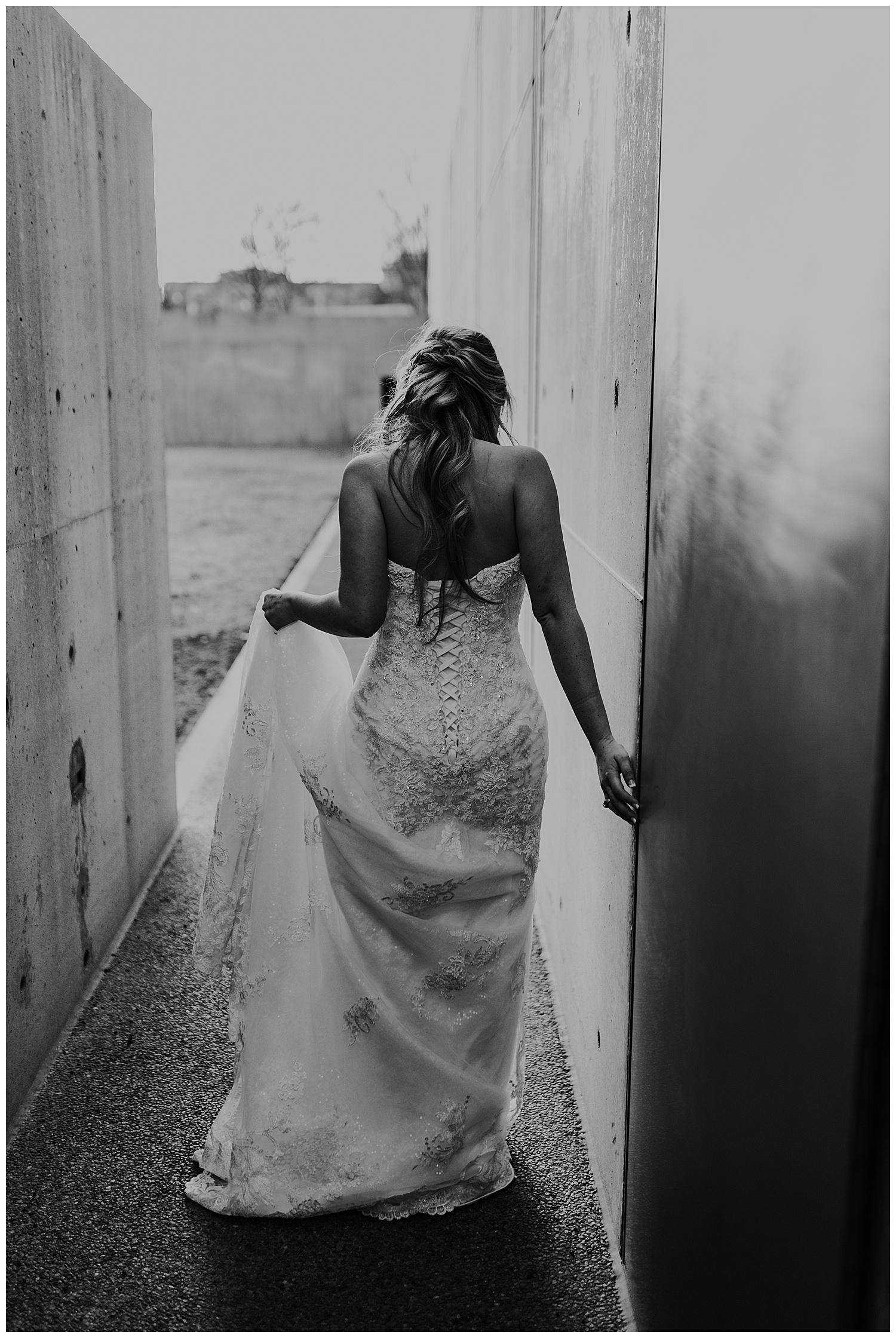 Laken-Mackenzie-Photography-Alyssa-Bridals-Kimbell-Art-Museum-Dallas-Fort-Worth-Wedding-Photographer19.jpg