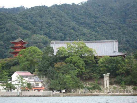 Japan10-71-600-400-80.jpg