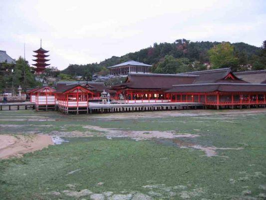 Japan15-76-600-400-80.jpg