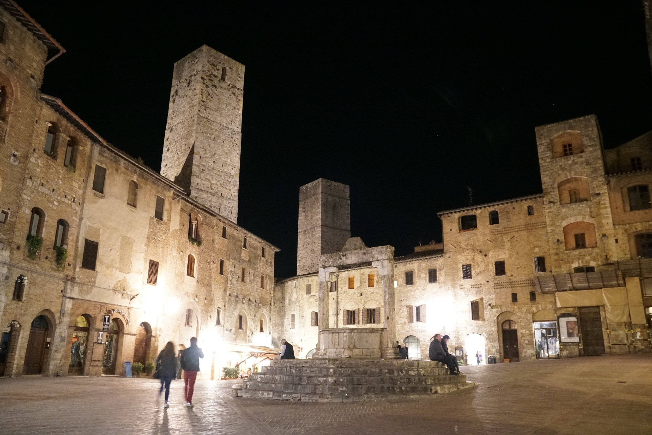 SanGimignano-night.jpg