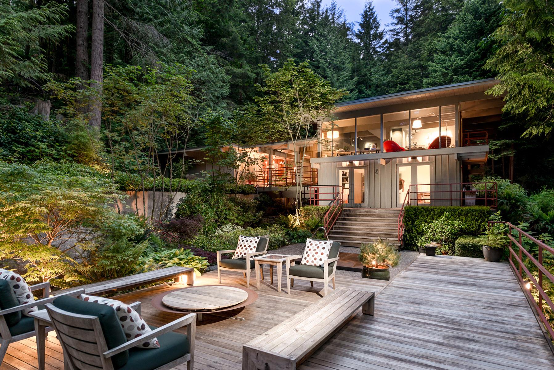 4301-Woodcrest-Road-West-Vancouver-360hometours-01s.jpg