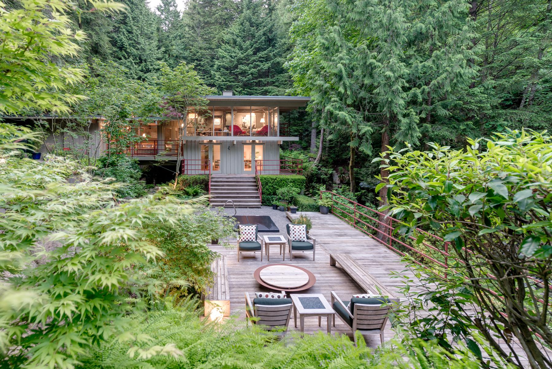 4301-Woodcrest-Road-West-Vancouver-360hometours-03s.jpg
