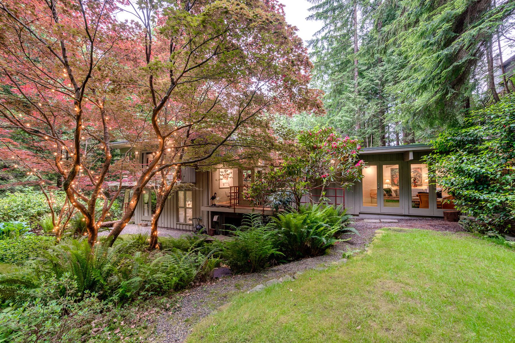4301-Woodcrest-Road-West-Vancouver-360hometours-22s.jpg
