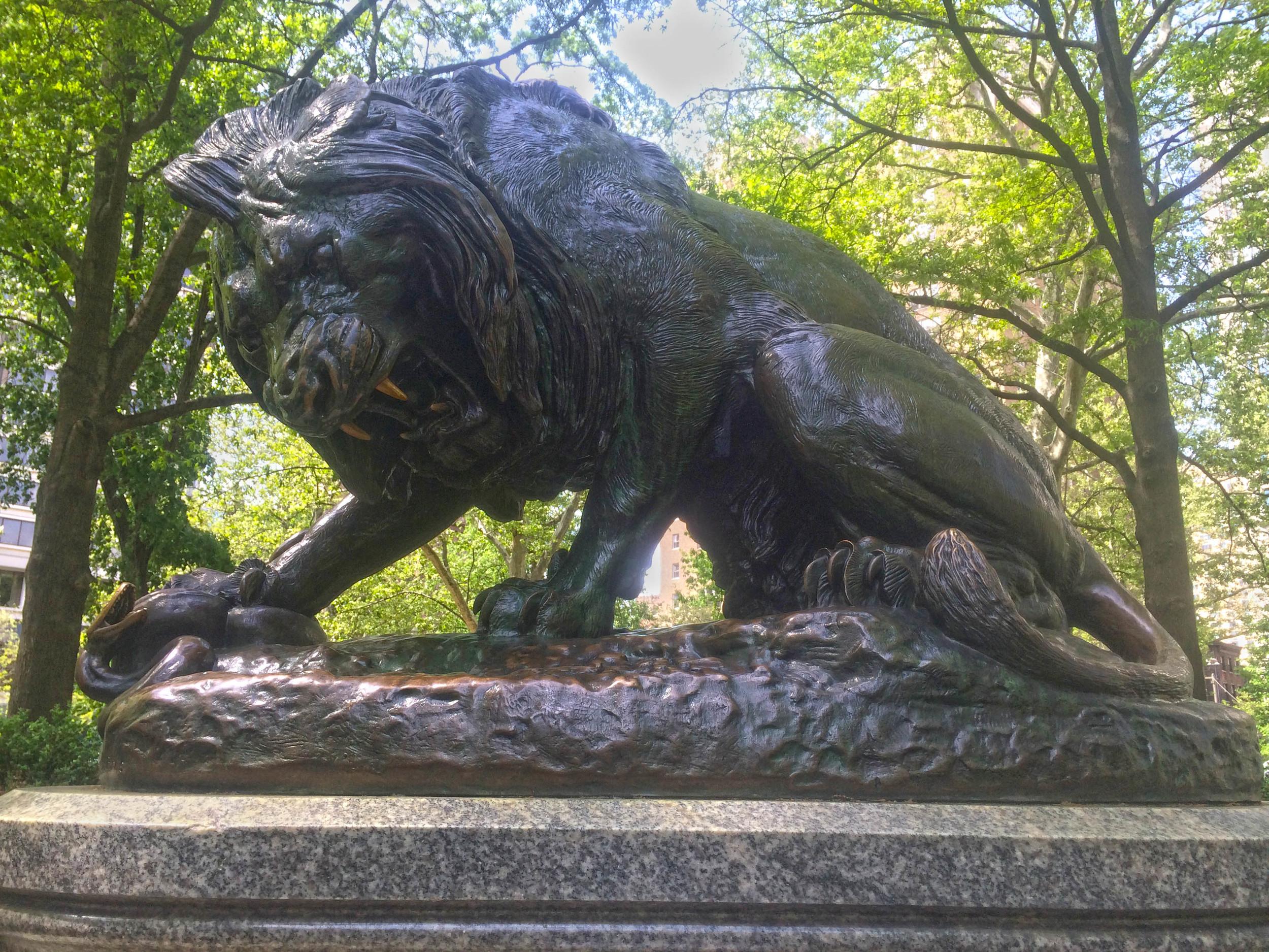 Lion Crushing a Serpent - Antoine Louis Barye