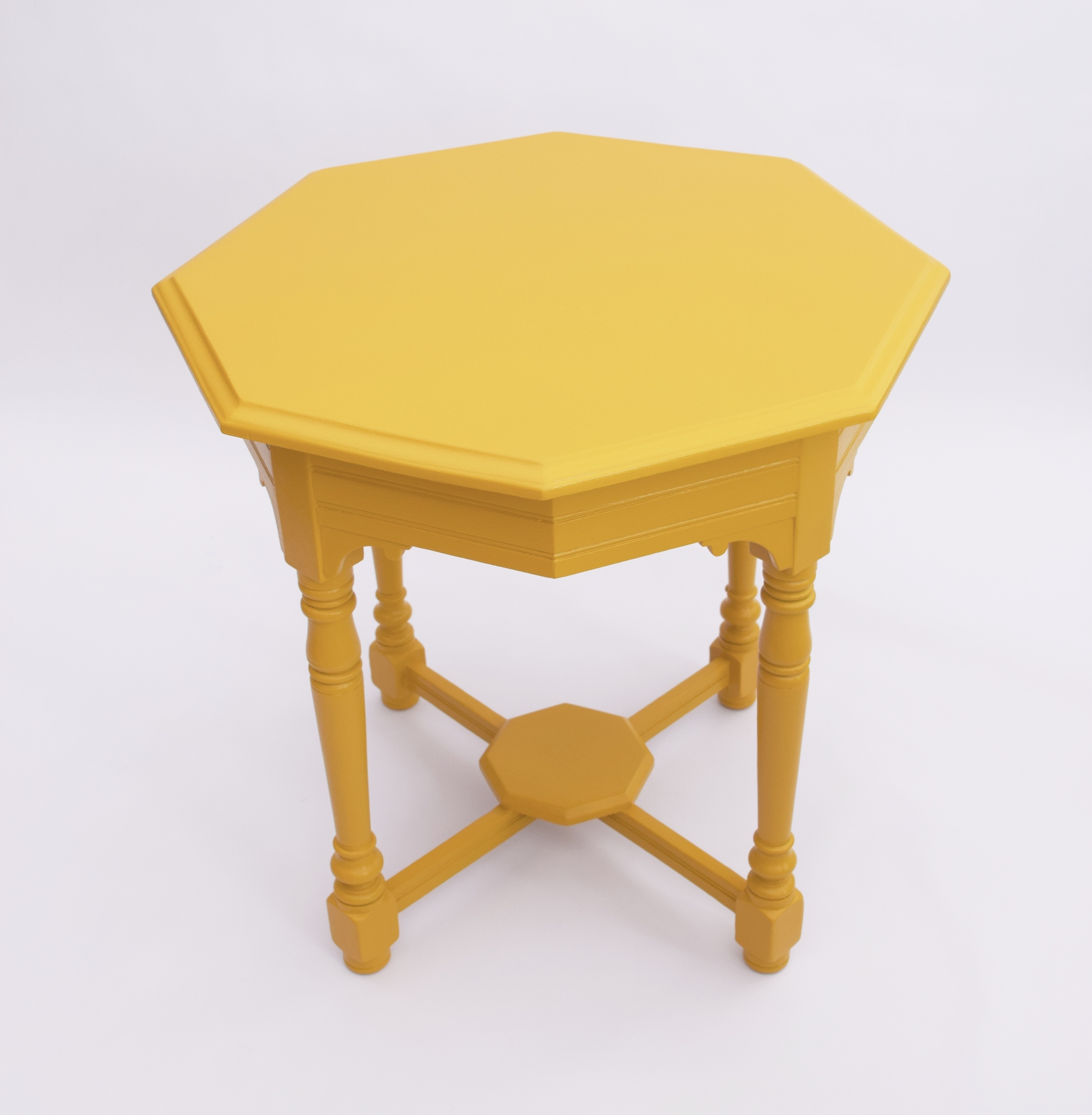 EARLY 20th CENTURY OCTAGONAL TABLE