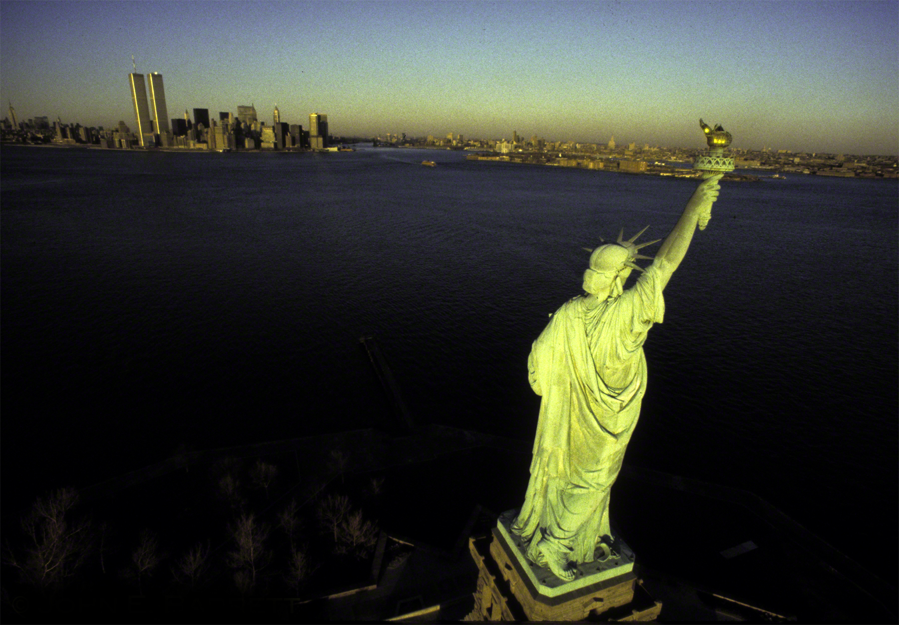 statuen of liberty.jpg