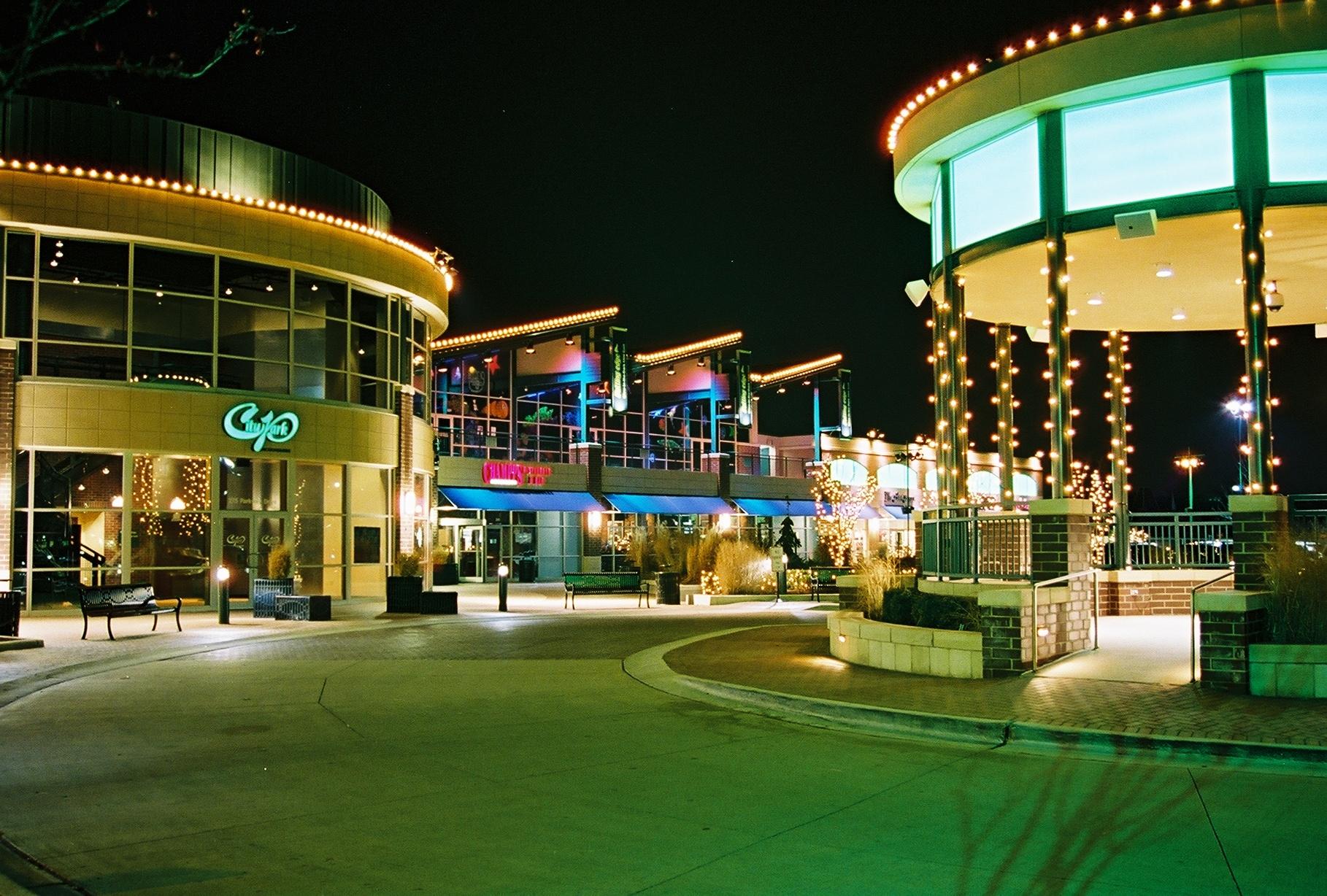 250-City at night1.JPG