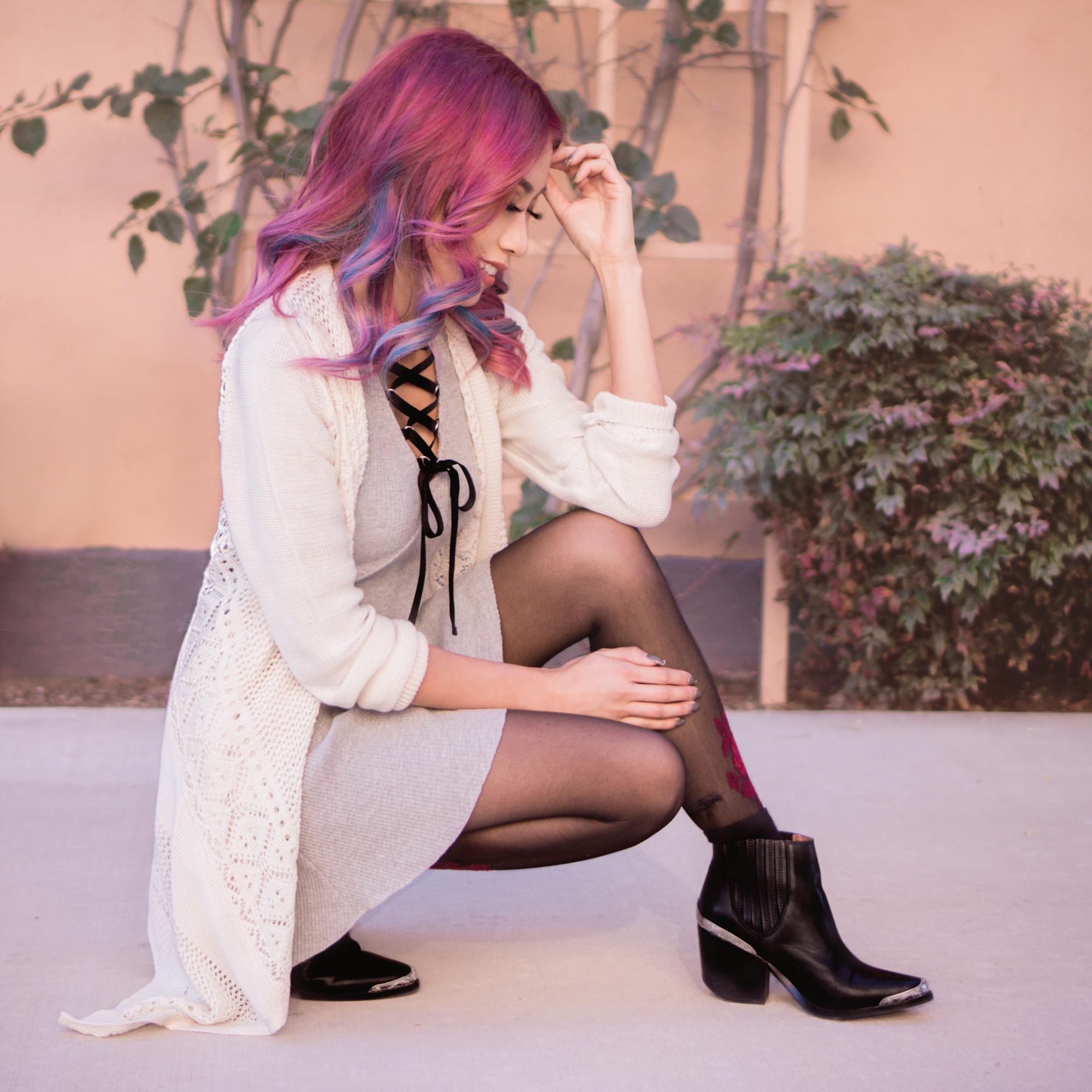 Dress : Grey Lace Up V Neck 3/4 sleeve A Line Dress    Shoes : Cromwell