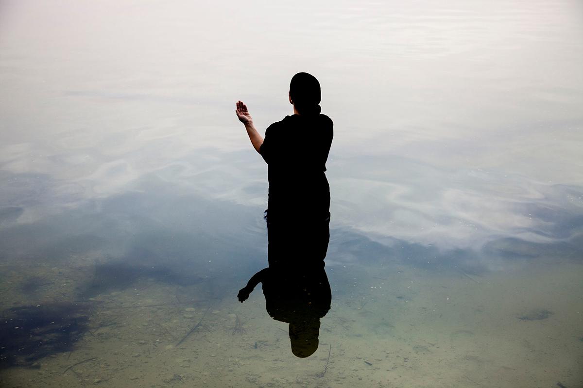 1.Sama Alshaibi, Silsila (Link), 2013