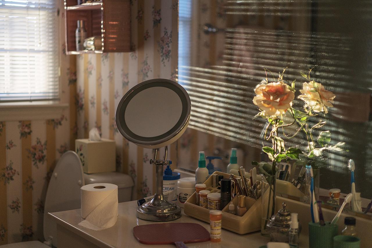 Charlotte Woolf, Grandma's Bathroom