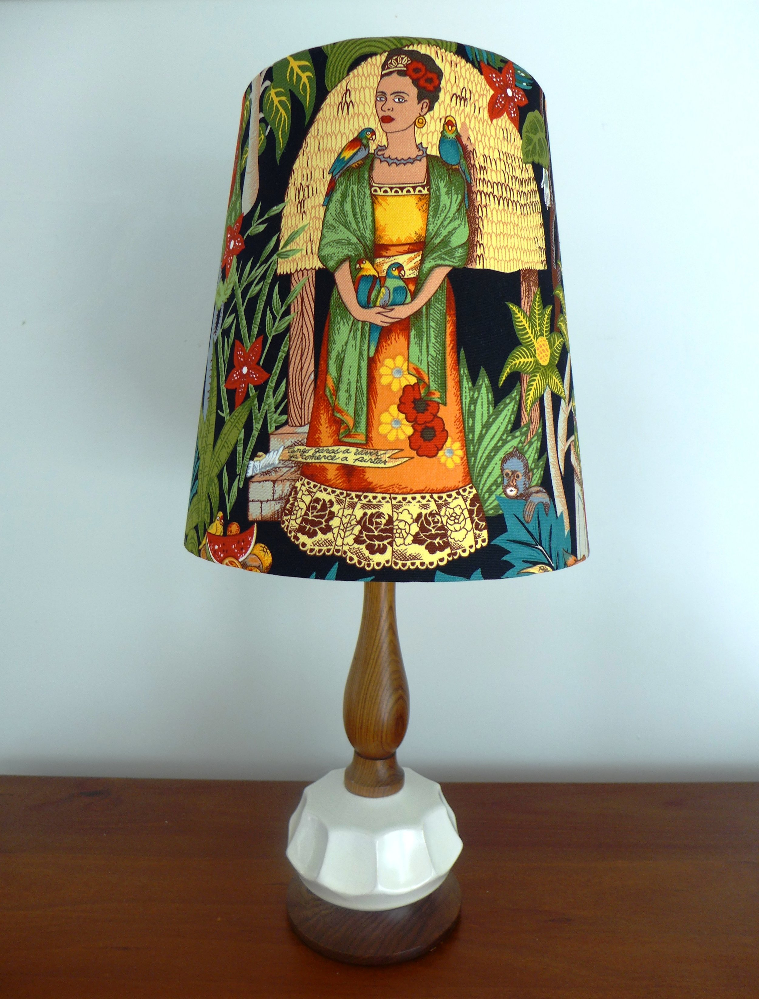 Frida Retro Lamp.JPG