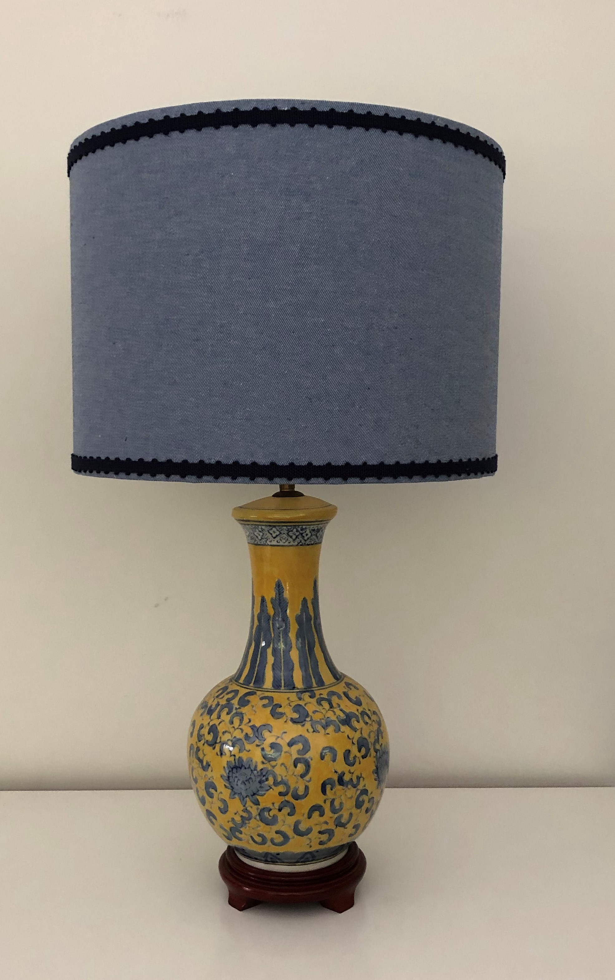 Lamp - Asian blue and yellow with blue shade.JPG