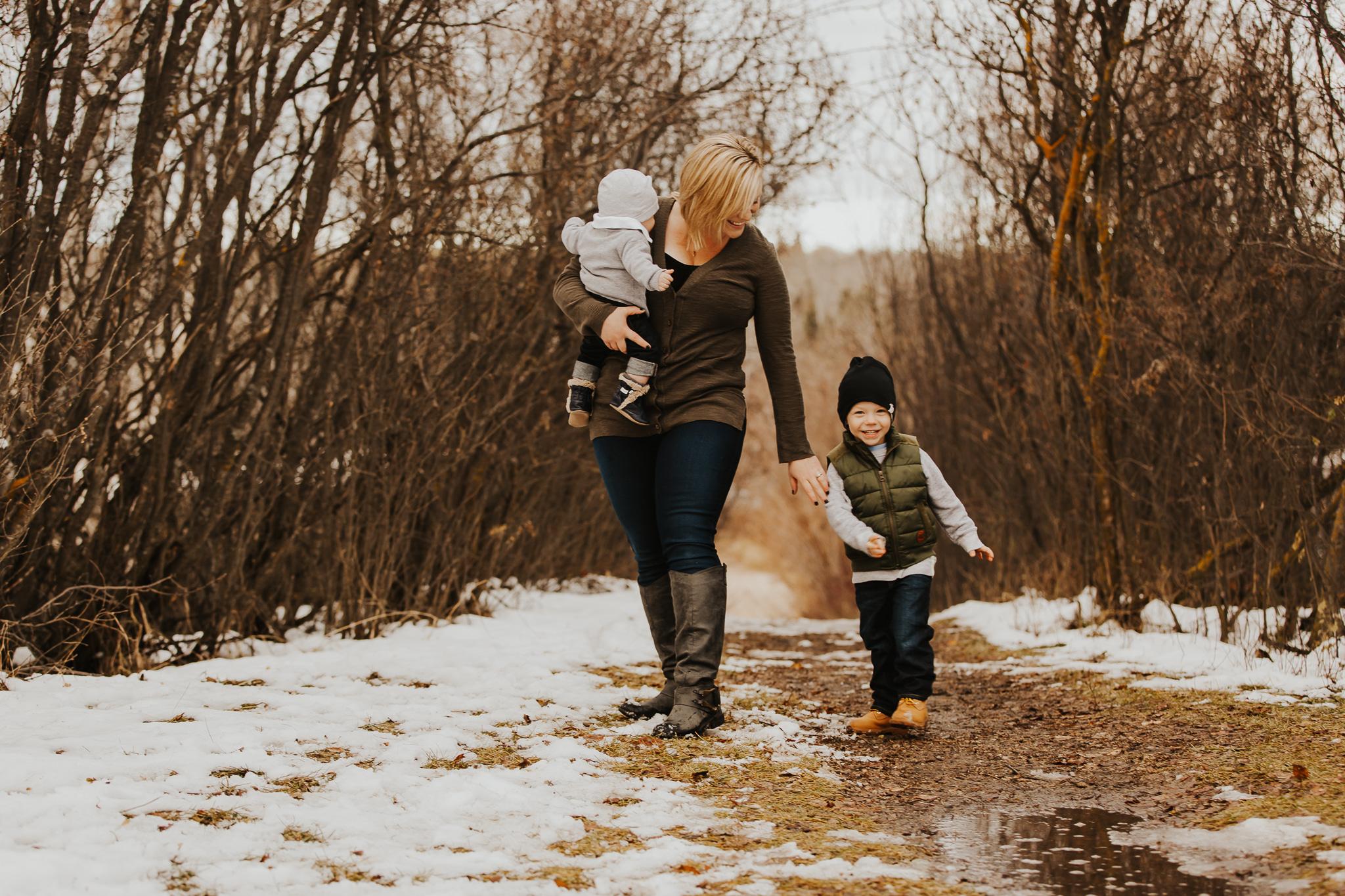 Alina-Joy-Photography-Cold-Lake-Lifestyle-Photographer-91.jpg