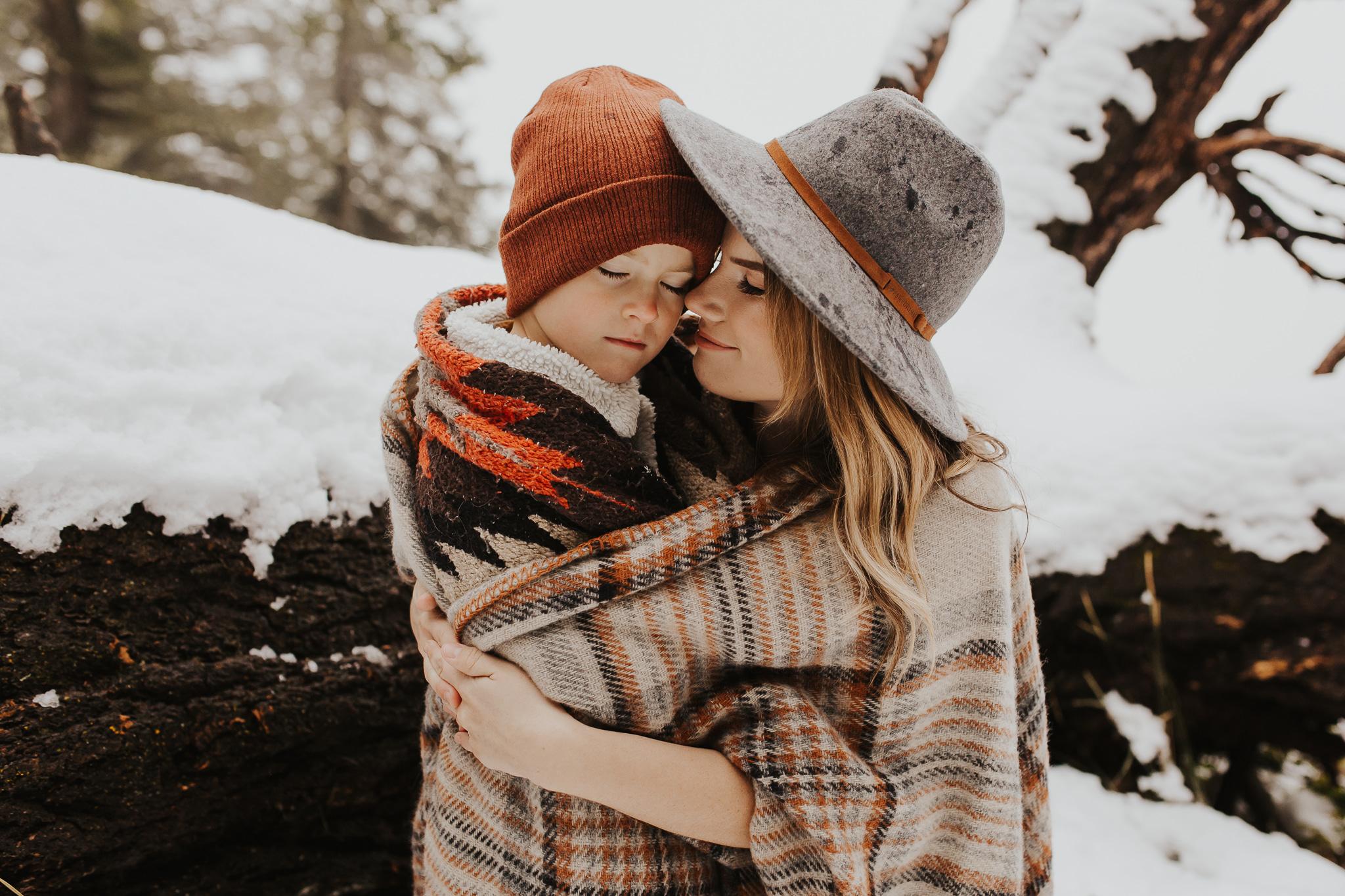 Alina-Joy-Photography-Cold-Lake-Lifestyle-Photographer-270.jpg