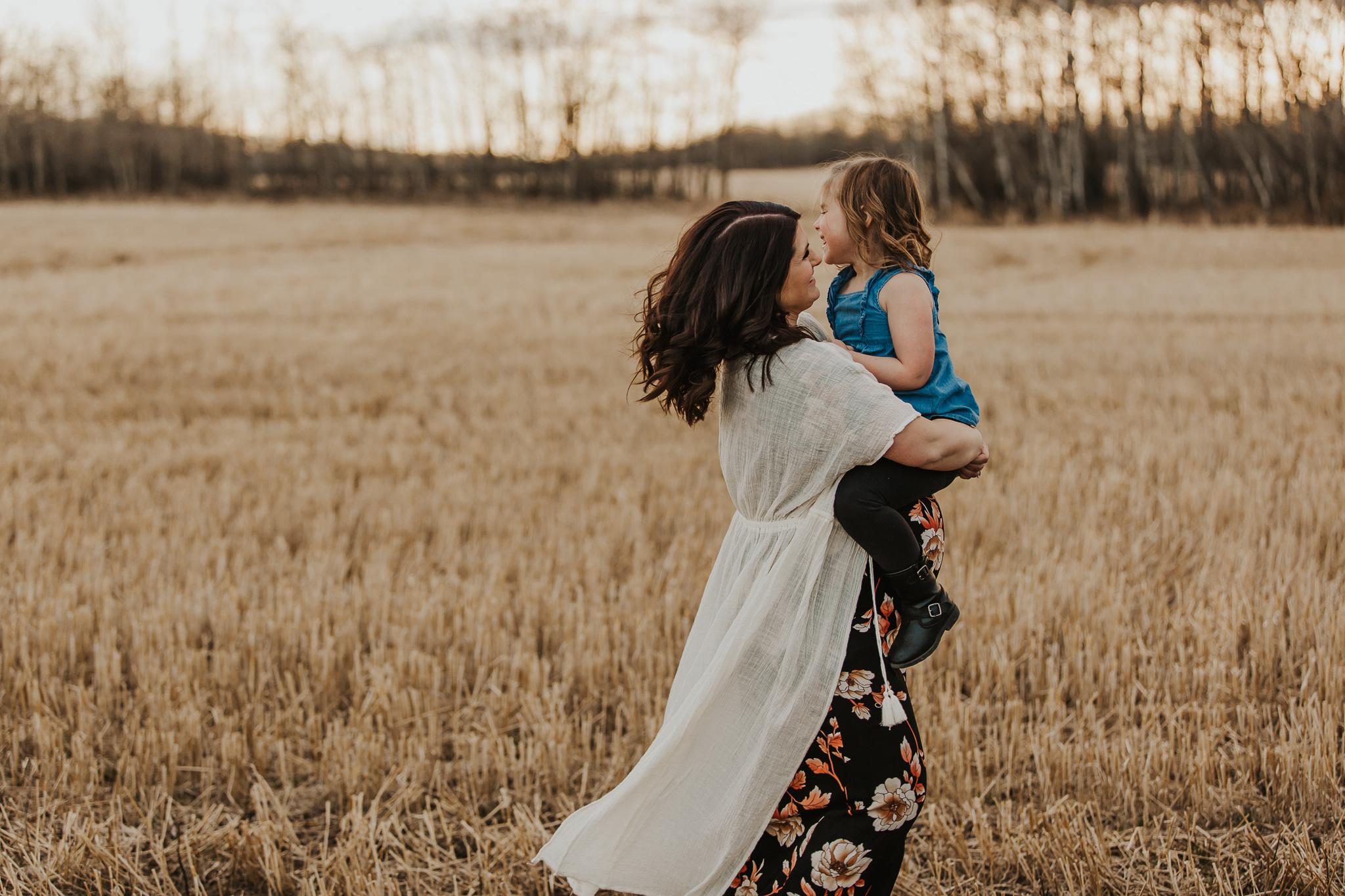Alina-Joy-Photography-Cold-Lake-Lifestyle-Photographer-323.jpg