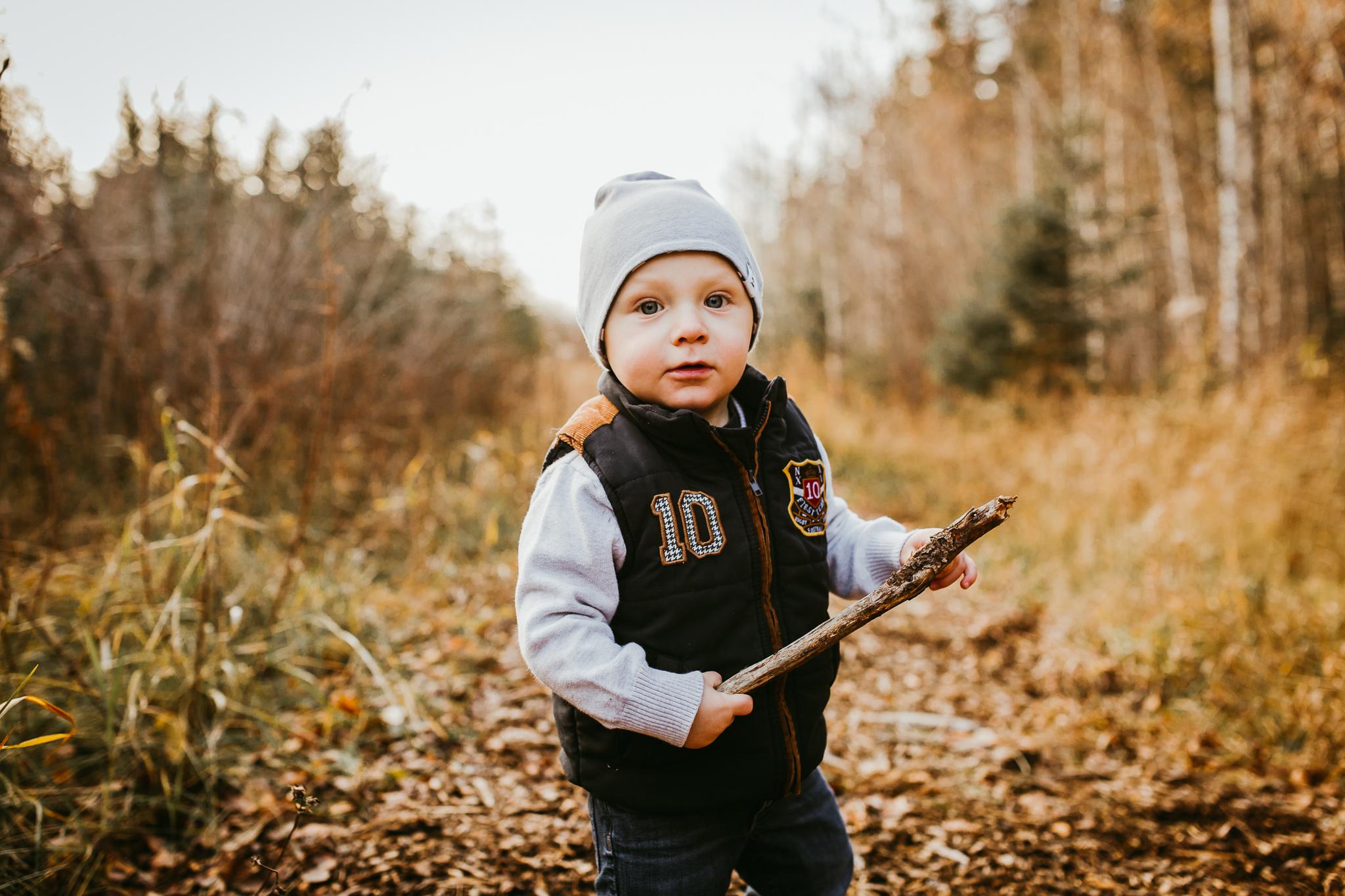 Alina-Joy-Photography-Cold-Lake-Lifestyle-Photographer-2-17.jpg