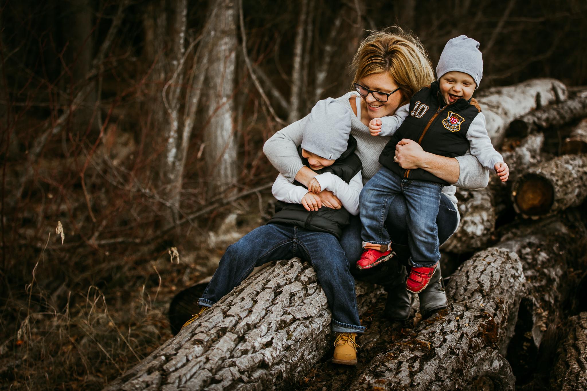Alina-Joy-Photography-Cold-Lake-Lifestyle-Photographer-2-21.jpg
