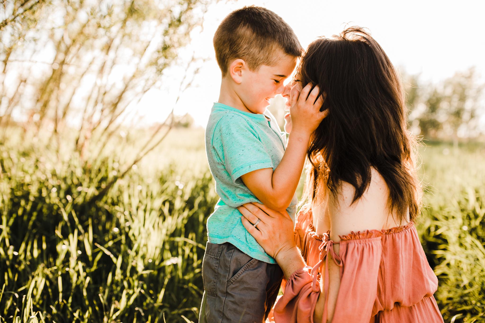 Alina-Joy-Photography-Cold-Lake-Lifestyle-Photographer-2-26.jpg