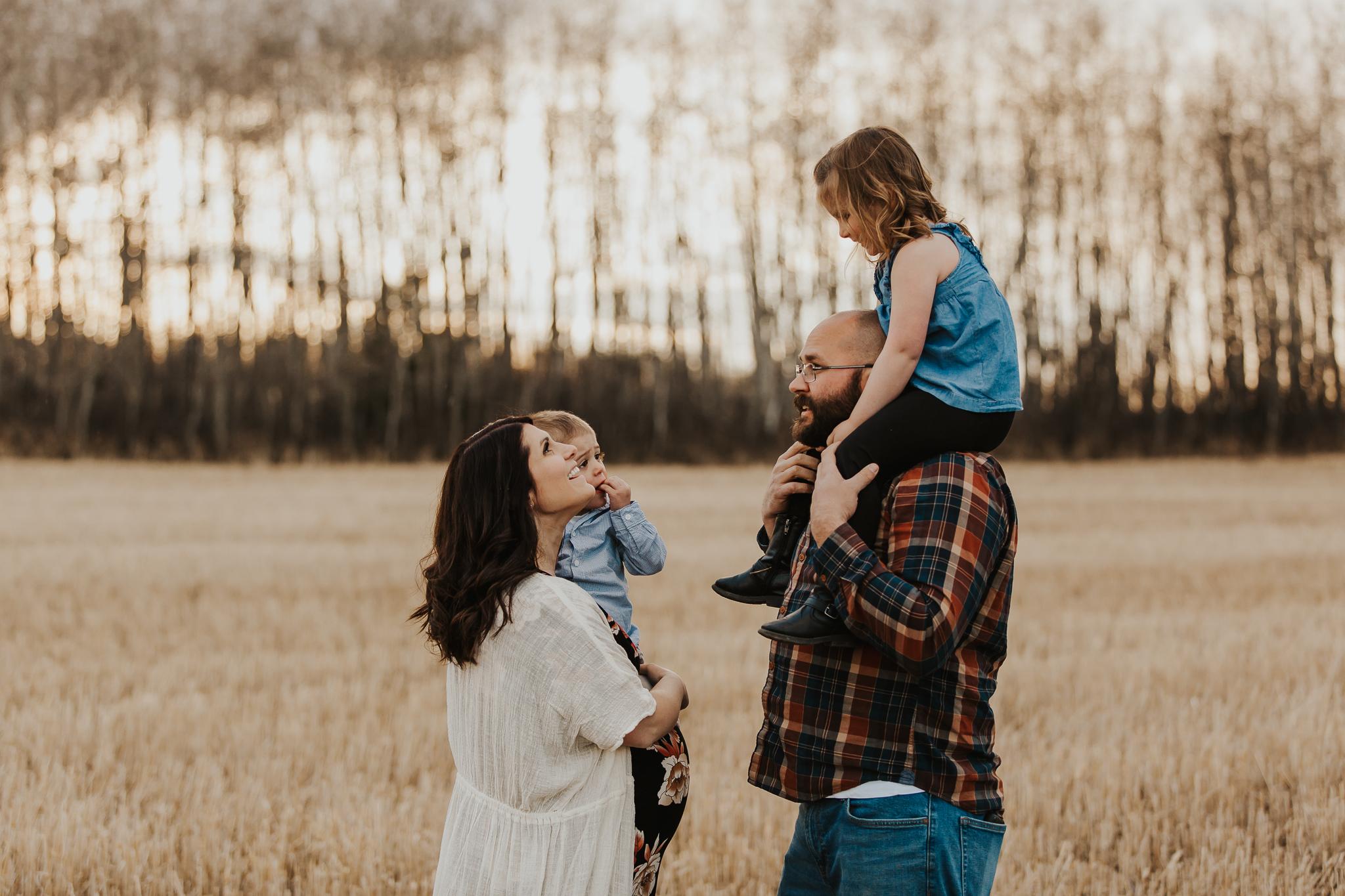 Alina-Joy-Photography-Cold-Lake-Maternity-Photographer-Josee-14.jpg