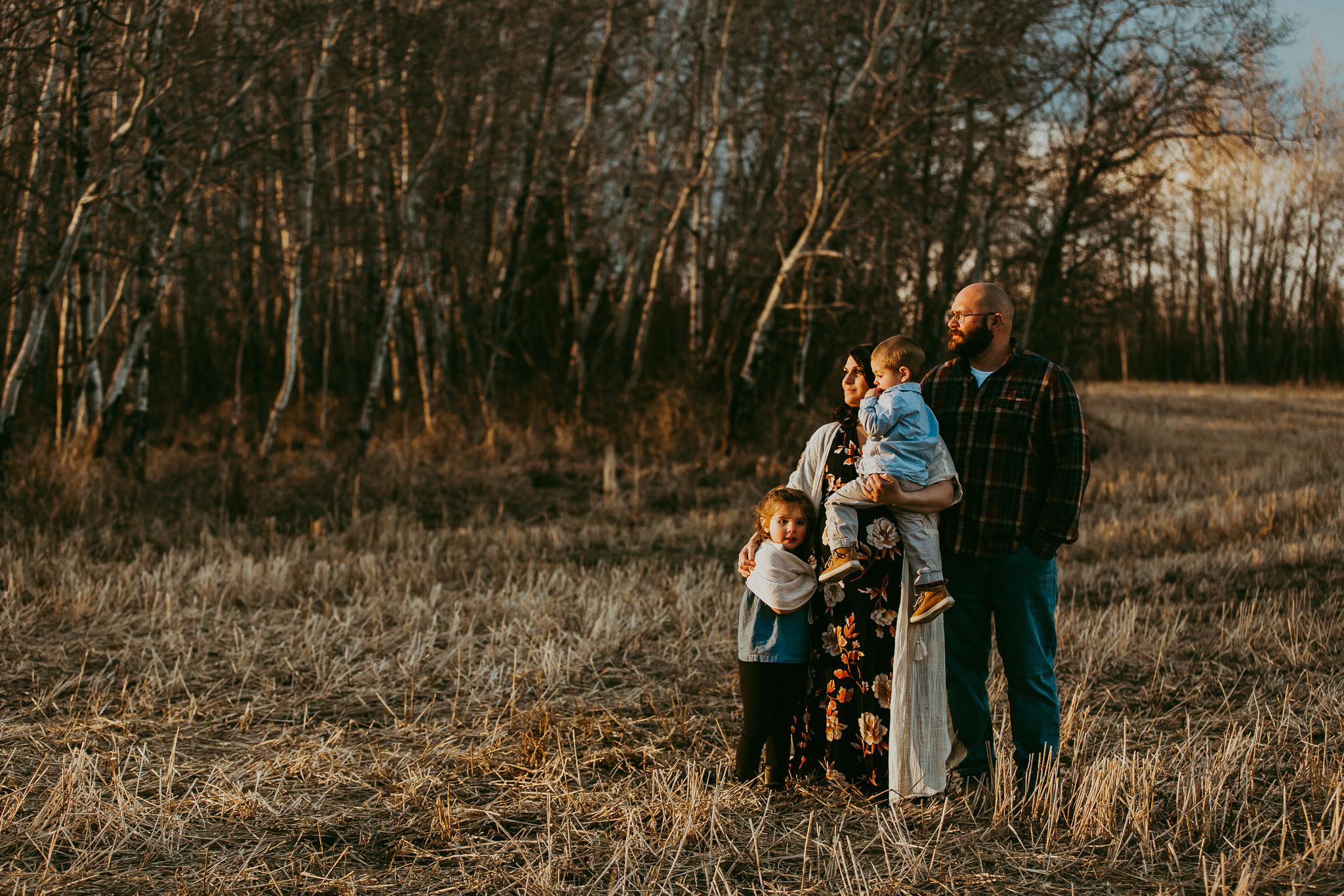Alina-Joy-Photography-Cold-Lake-Maternity-Photographer-Josee-43.jpg