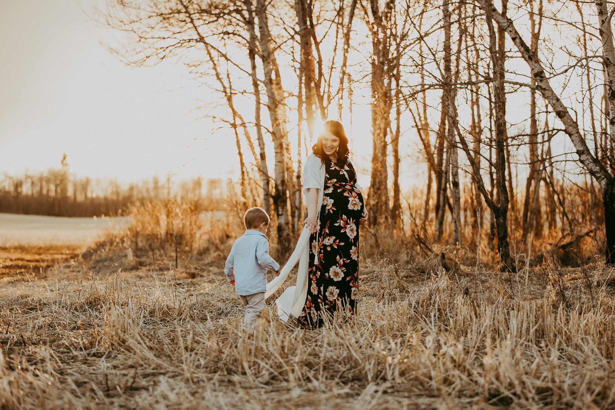 Alina-Joy-Photography-Cold-Lake-Maternity-Photographer-Josee-52.jpg