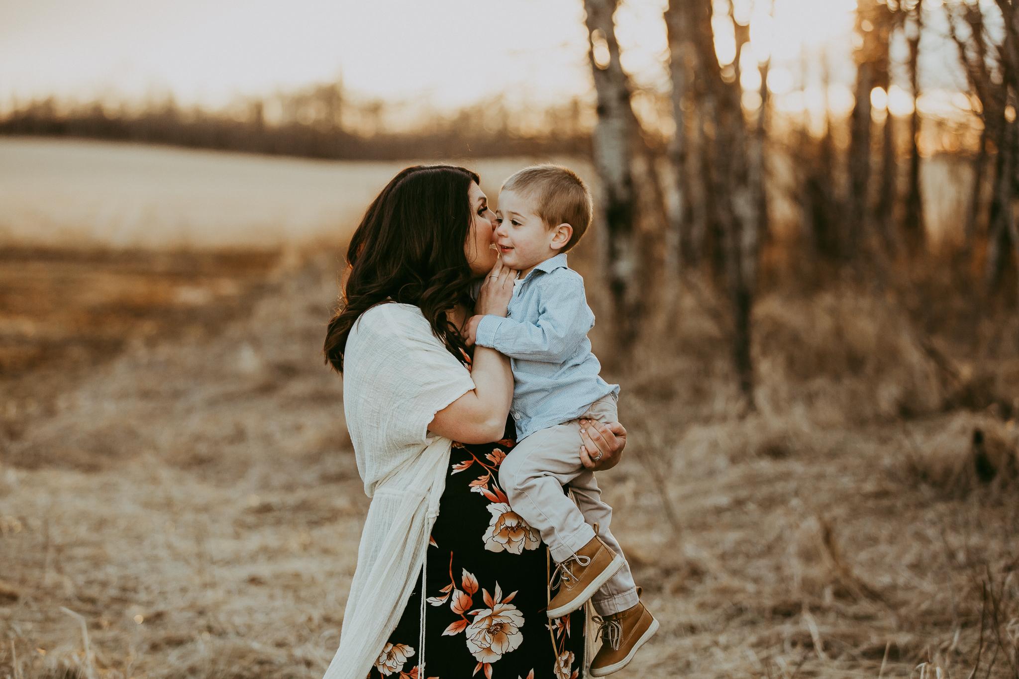 Alina-Joy-Photography-Cold-Lake-Maternity-Photographer-Josee-53.jpg