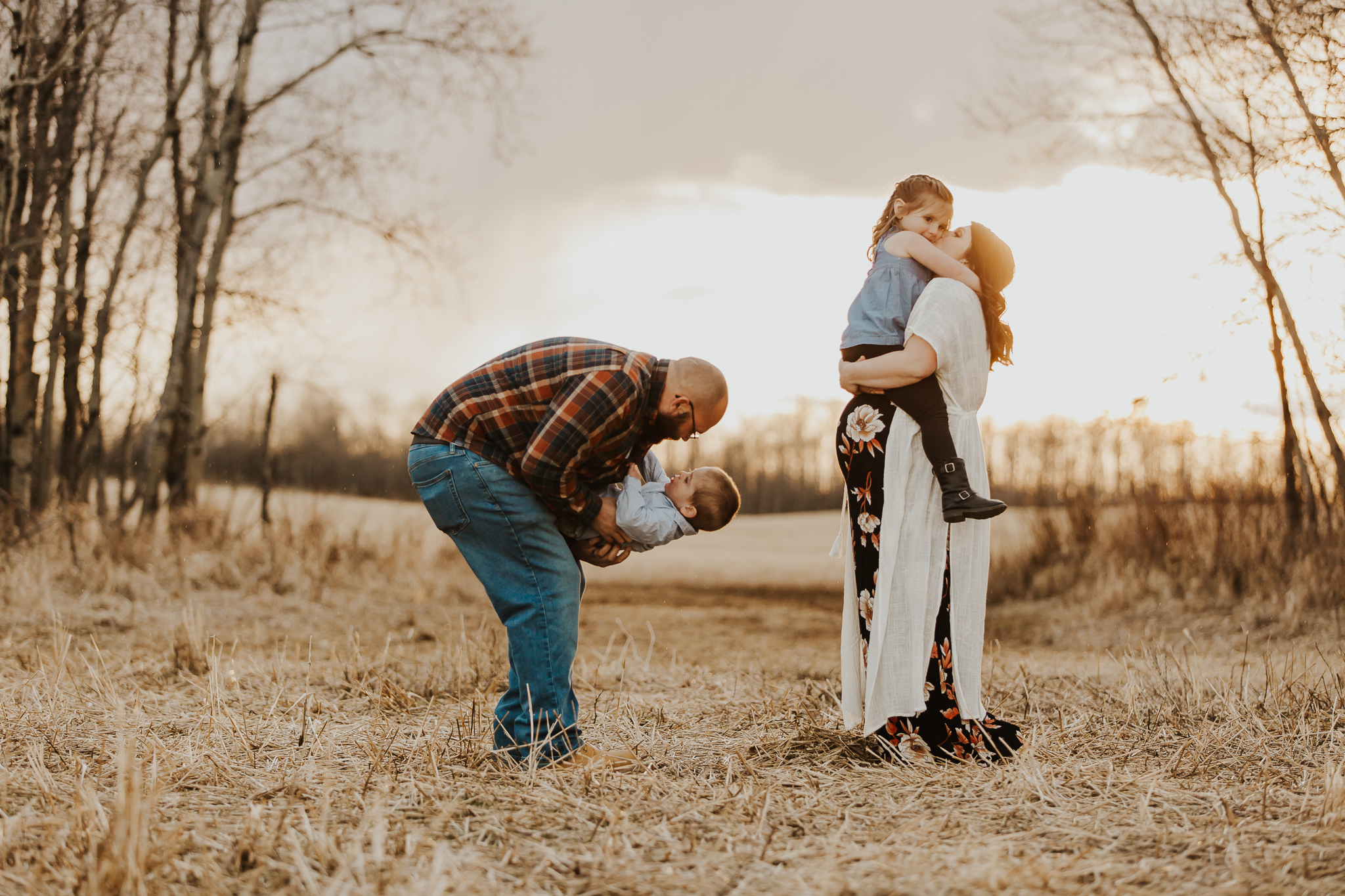 Alina-Joy-Photography-Cold-Lake-Maternity-Photographer-Josee-32.jpg