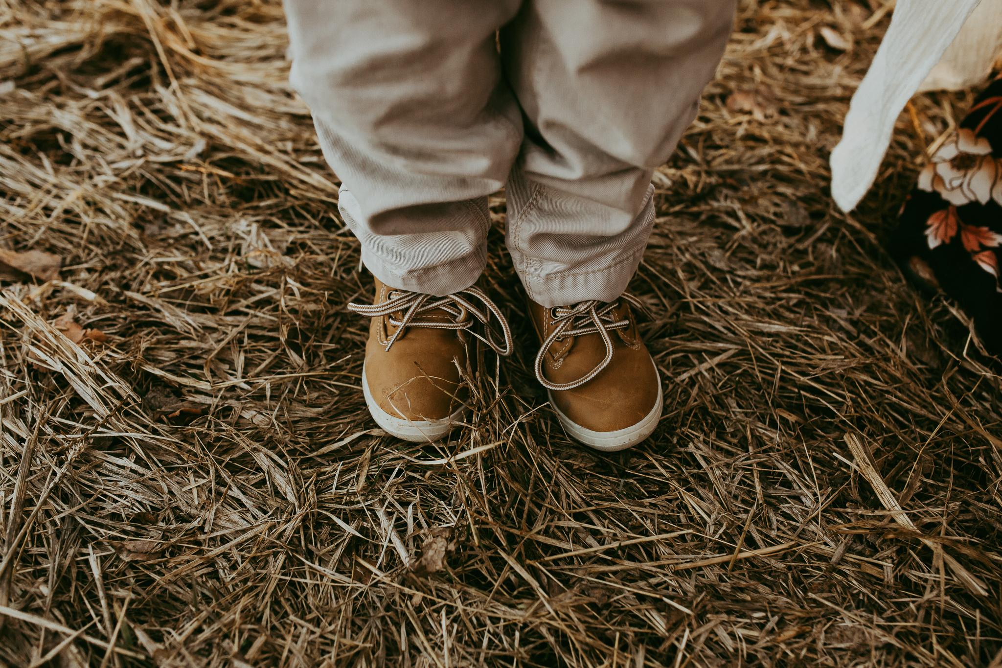 Alina-Joy-Photography-Cold-Lake-Maternity-Photographer-Josee-78.jpg
