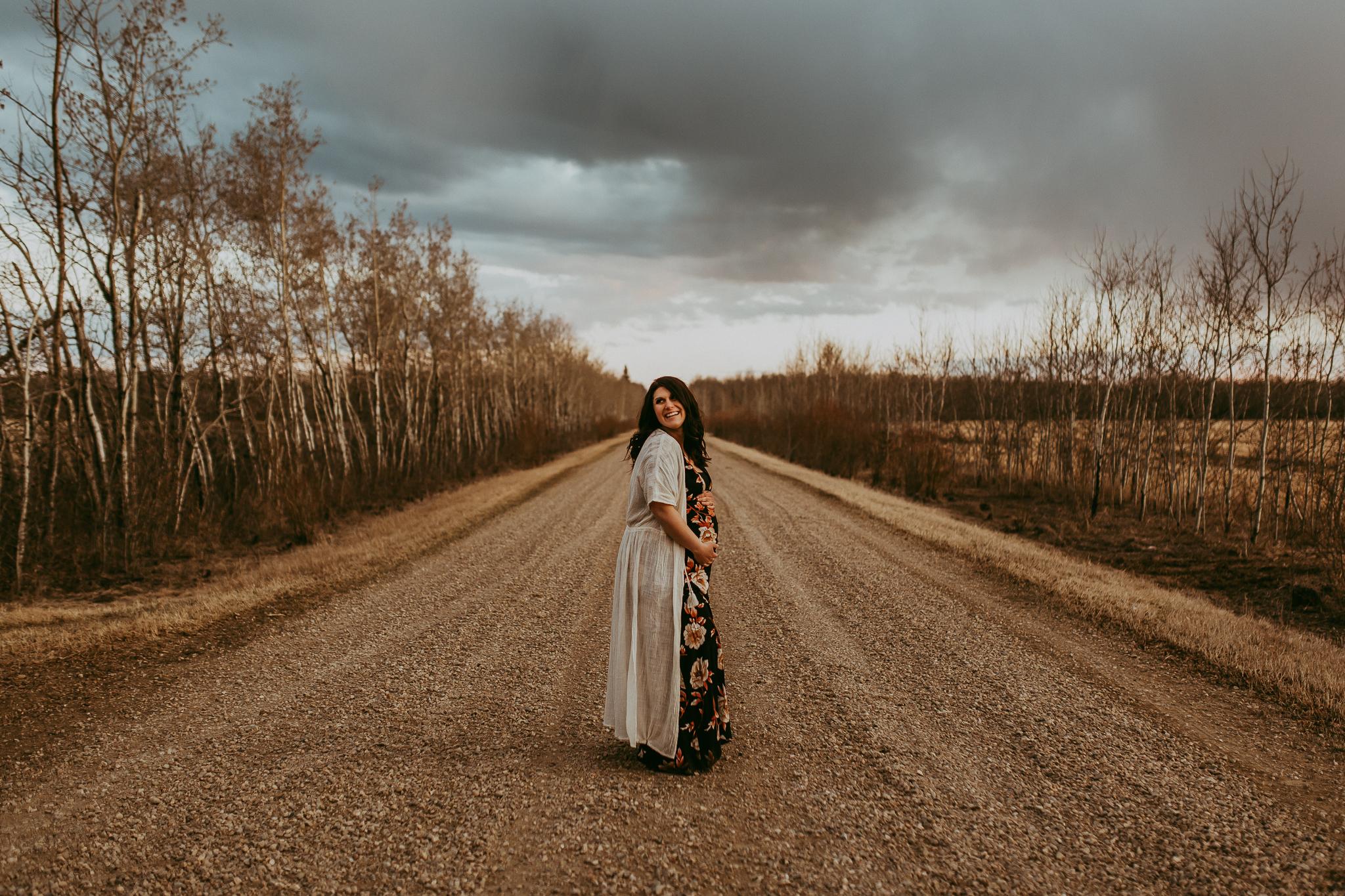 Alina-Joy-Photography-Cold-Lake-Maternity-Photographer-Josee-92.jpg