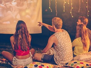 backyard-movie-night-thumb (1).jpg