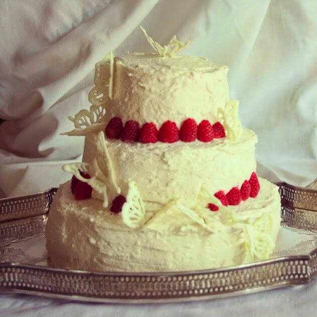Classic lemon raspberry wedding cake