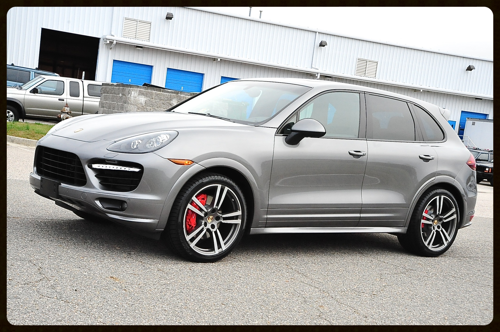 2013 Porsche Cayenne...VERY RARE GTS....Highly Optioned and Pristine
