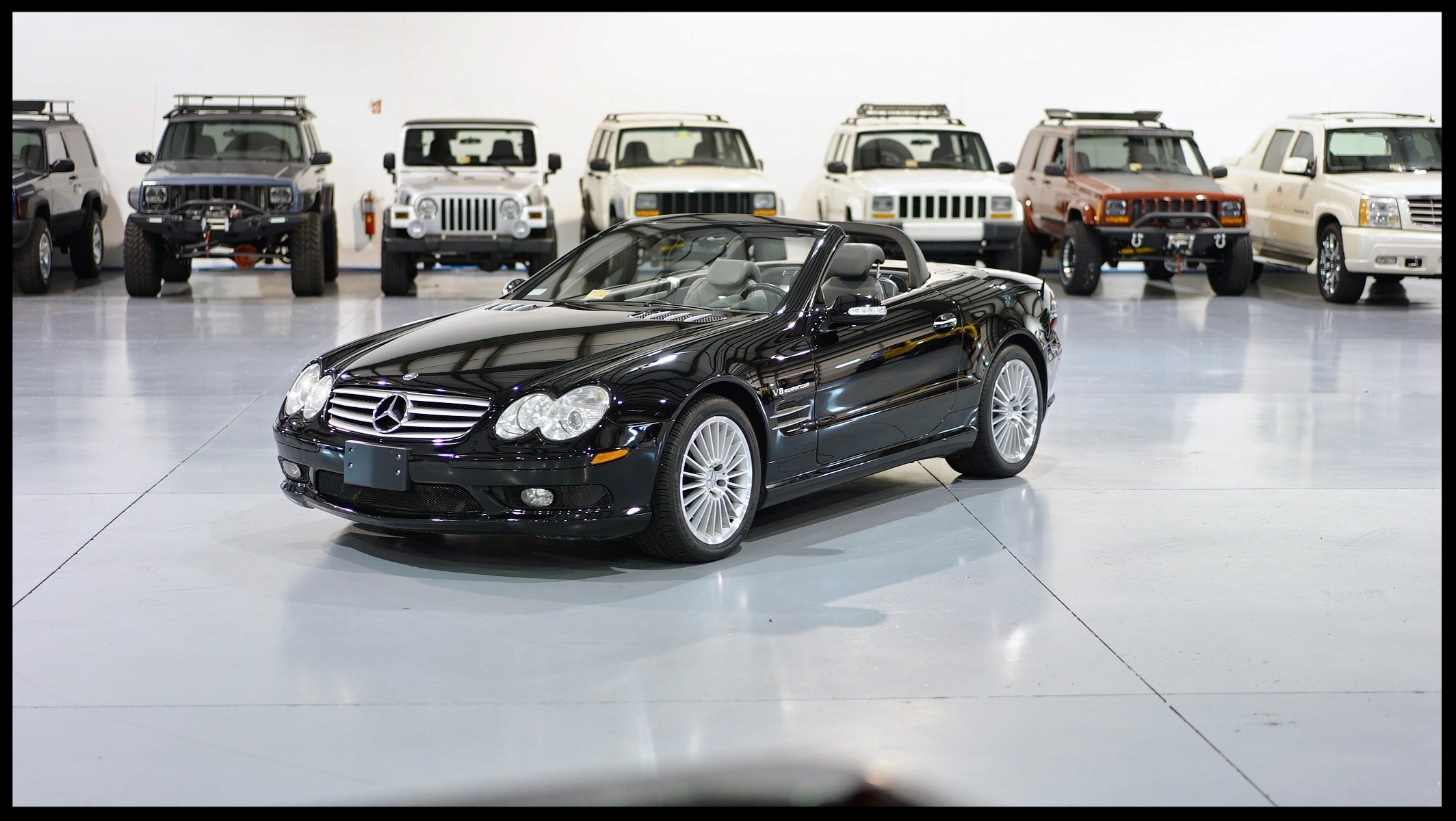 Mercedes SL55 AMG....100% Loaded AMG with impeccable service history...Click For more photos and video